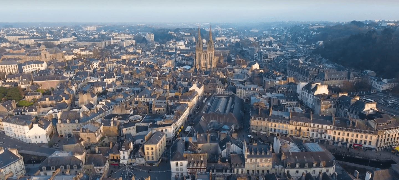 Ilan gursoy le breton qui sublime quimper en drone for Piscine quimper